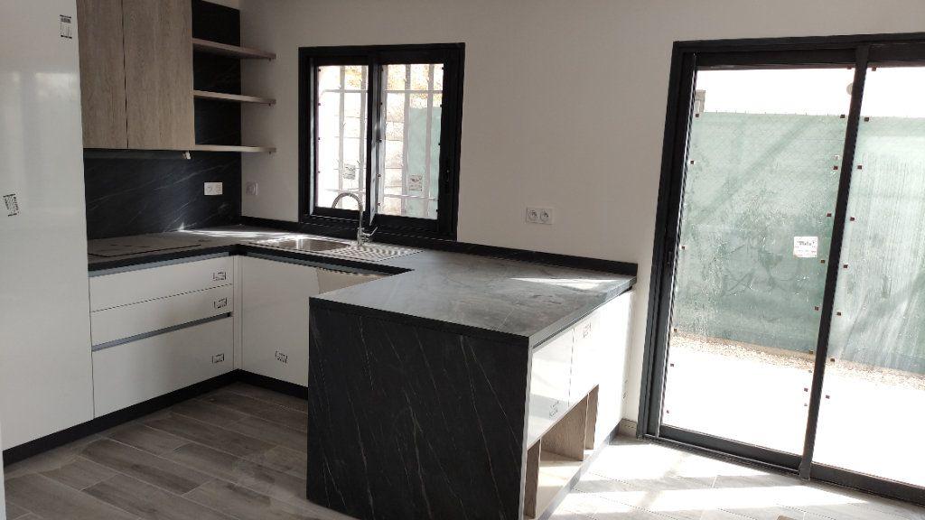 Maison à louer 4 92m2 à Cagnes-sur-Mer vignette-9