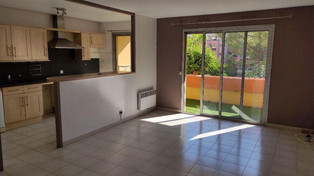 Appartement à louer 3 64m2 à Cagnes-sur-Mer vignette-1