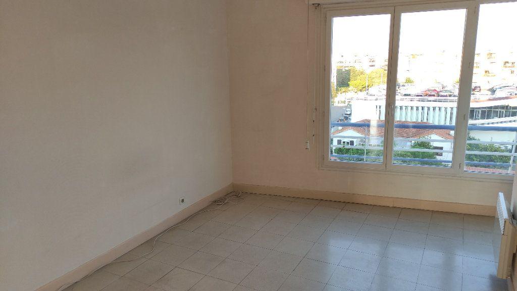 Appartement à louer 3 72m2 à Cagnes-sur-Mer vignette-6