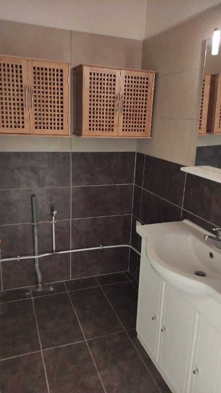 Appartement à louer 3 72m2 à Cagnes-sur-Mer vignette-9