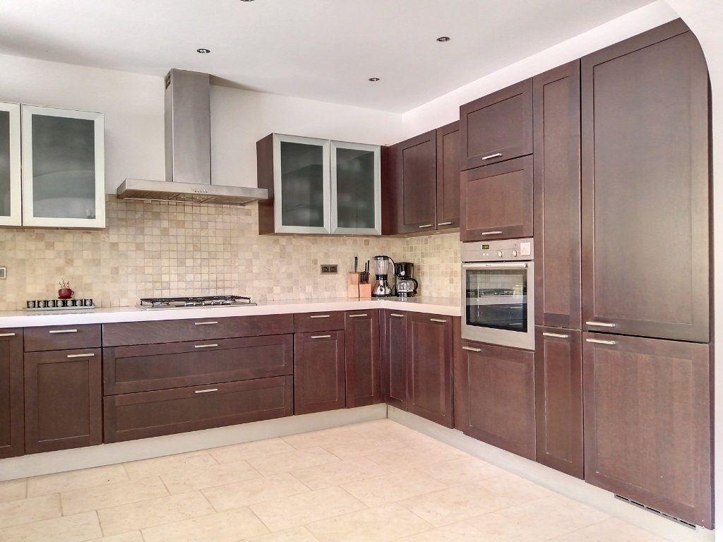 Maison à vendre 5 140.17m2 à Roquefort-les-Pins vignette-3
