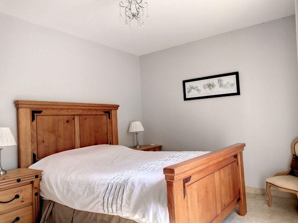 Maison à vendre 5 140.17m2 à Roquefort-les-Pins vignette-8