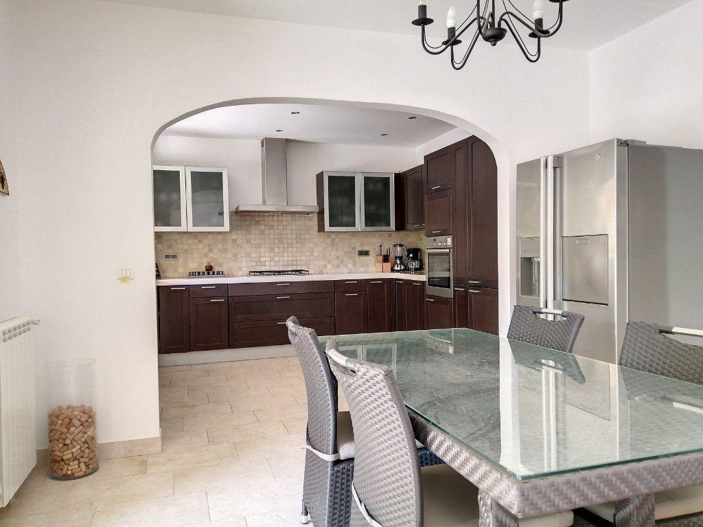 Maison à vendre 5 140.17m2 à Roquefort-les-Pins vignette-9