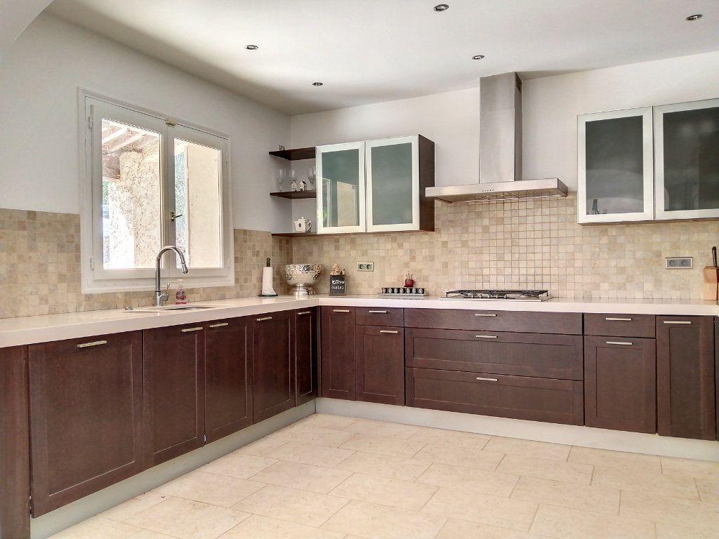 Maison à vendre 5 140.17m2 à Roquefort-les-Pins vignette-11