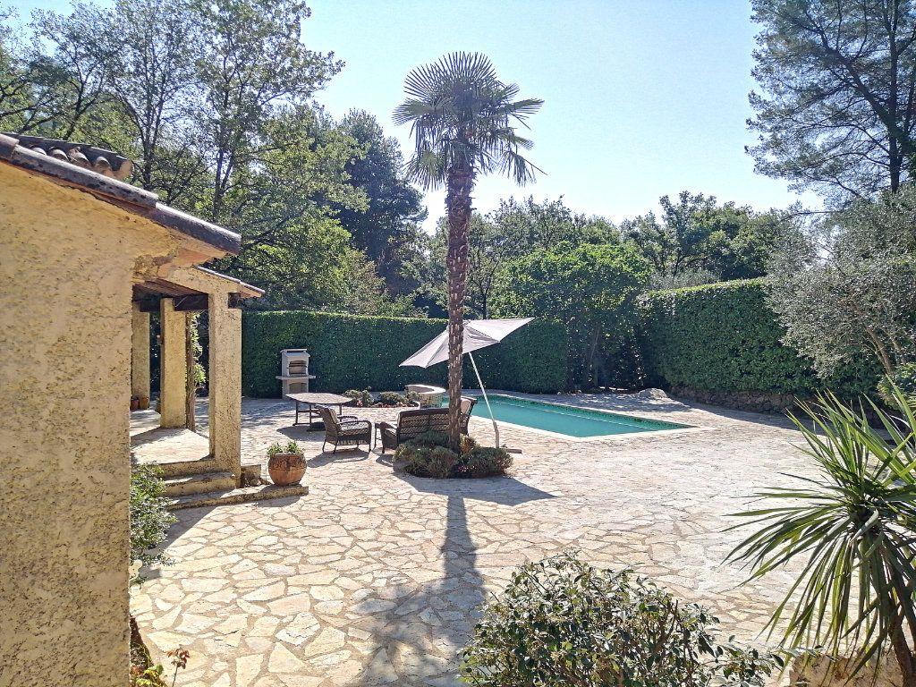Maison à vendre 5 140.17m2 à Roquefort-les-Pins vignette-12