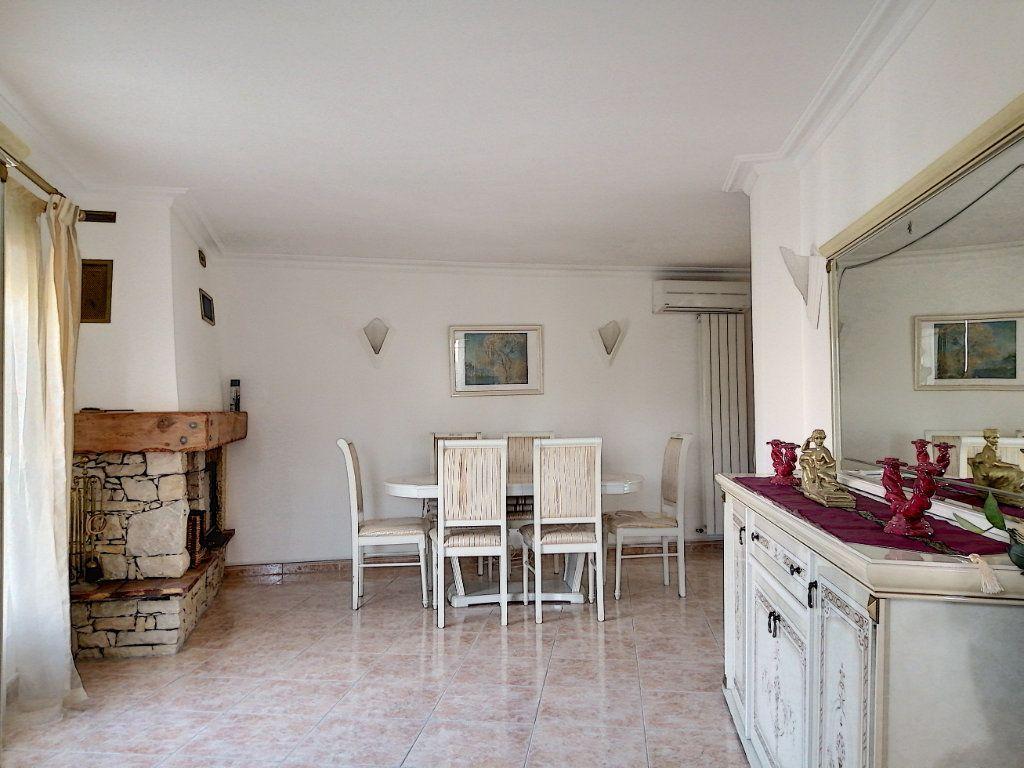 Maison à vendre 7 223.76m2 à Cagnes-sur-Mer vignette-6