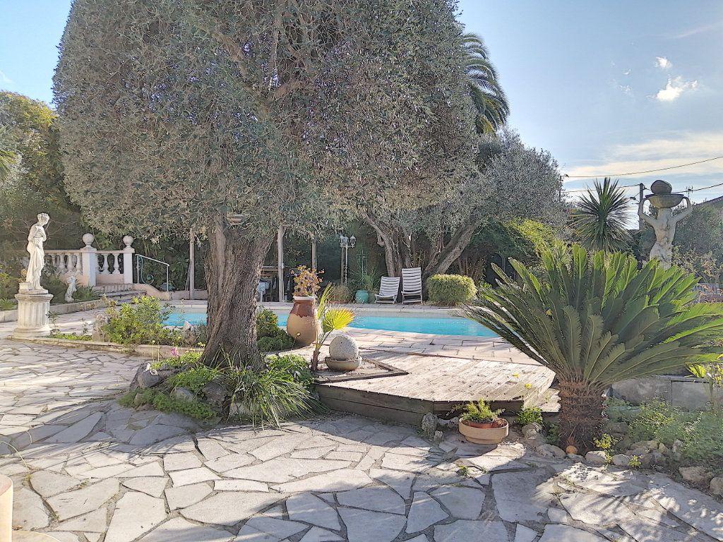 Maison à vendre 7 223.76m2 à Cagnes-sur-Mer vignette-7