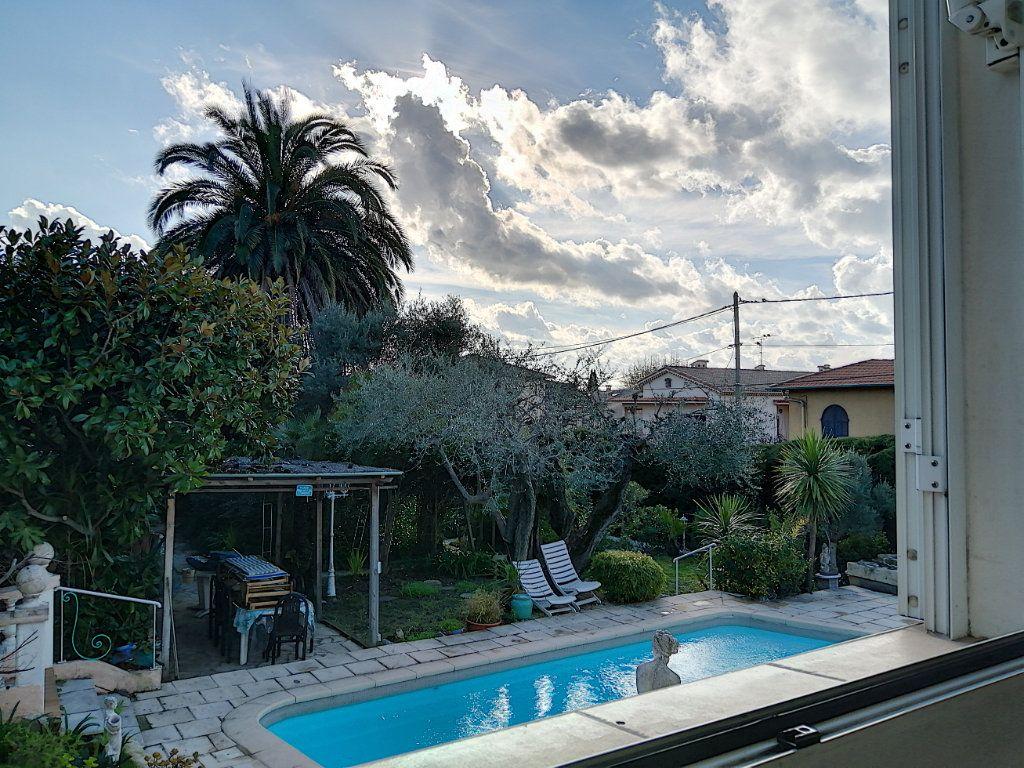 Maison à vendre 7 223.76m2 à Cagnes-sur-Mer vignette-11