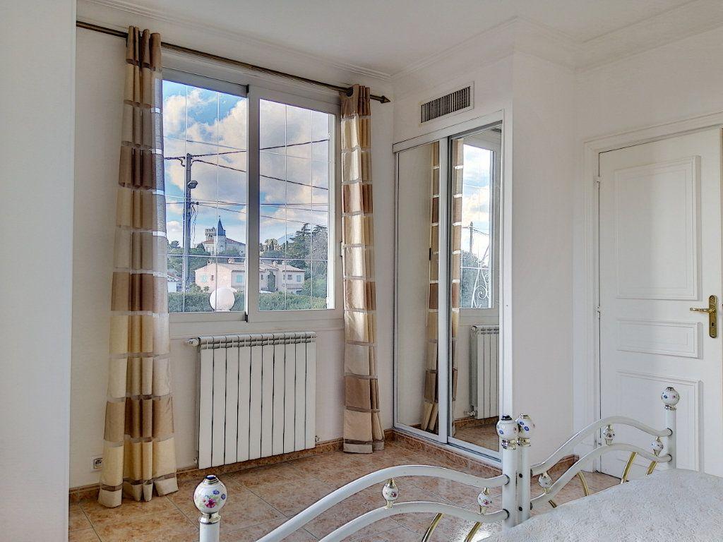 Maison à vendre 7 223.76m2 à Cagnes-sur-Mer vignette-12