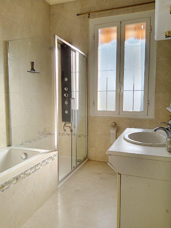 Maison à vendre 7 223.76m2 à Cagnes-sur-Mer vignette-13