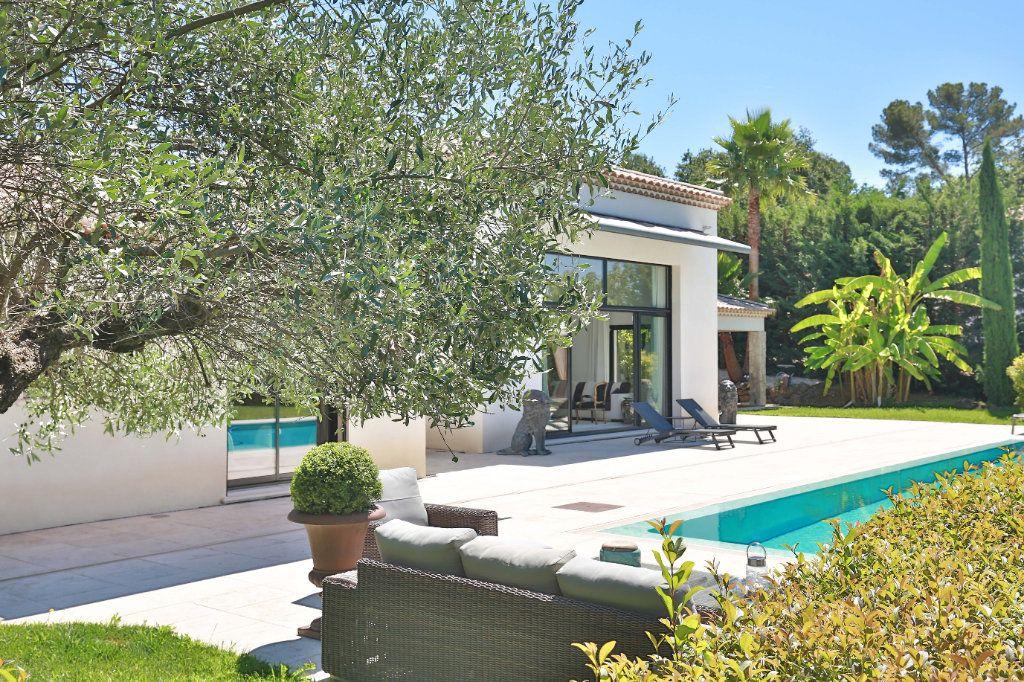 Maison à vendre 7 230m2 à Roquefort-les-Pins vignette-1
