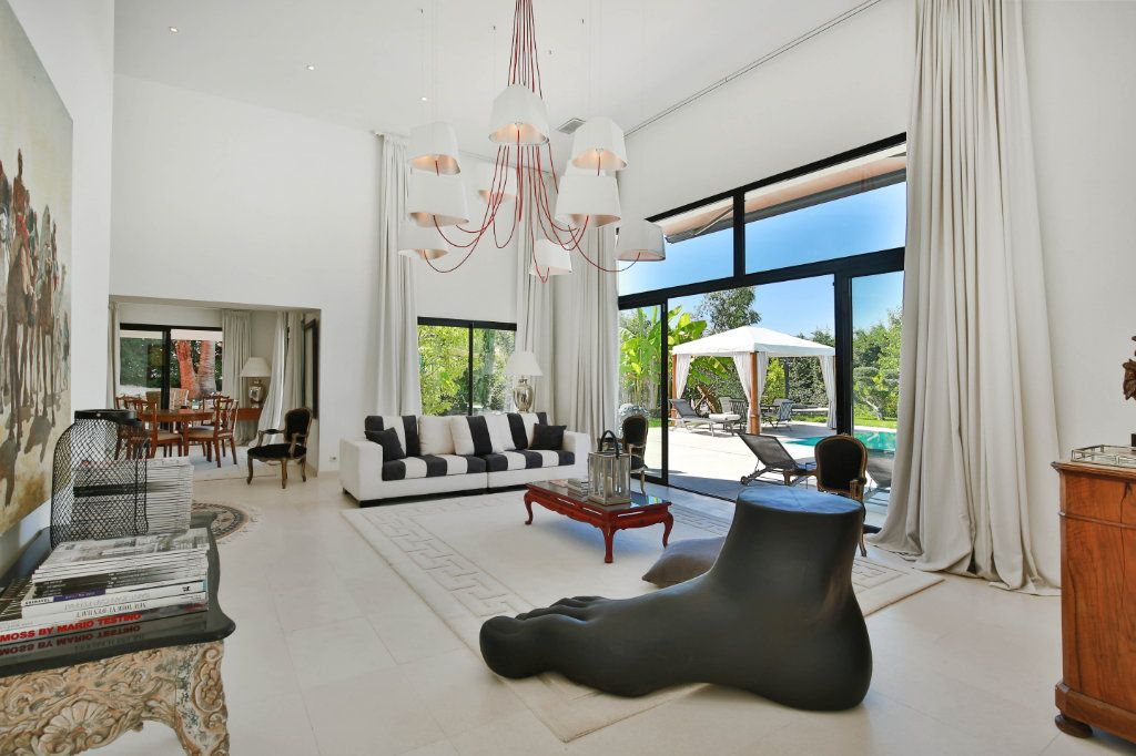 Maison à vendre 7 230m2 à Roquefort-les-Pins vignette-2