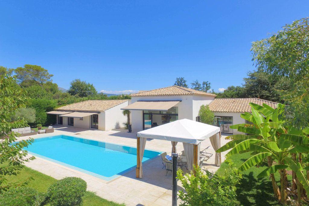 Maison à vendre 7 230m2 à Roquefort-les-Pins vignette-4