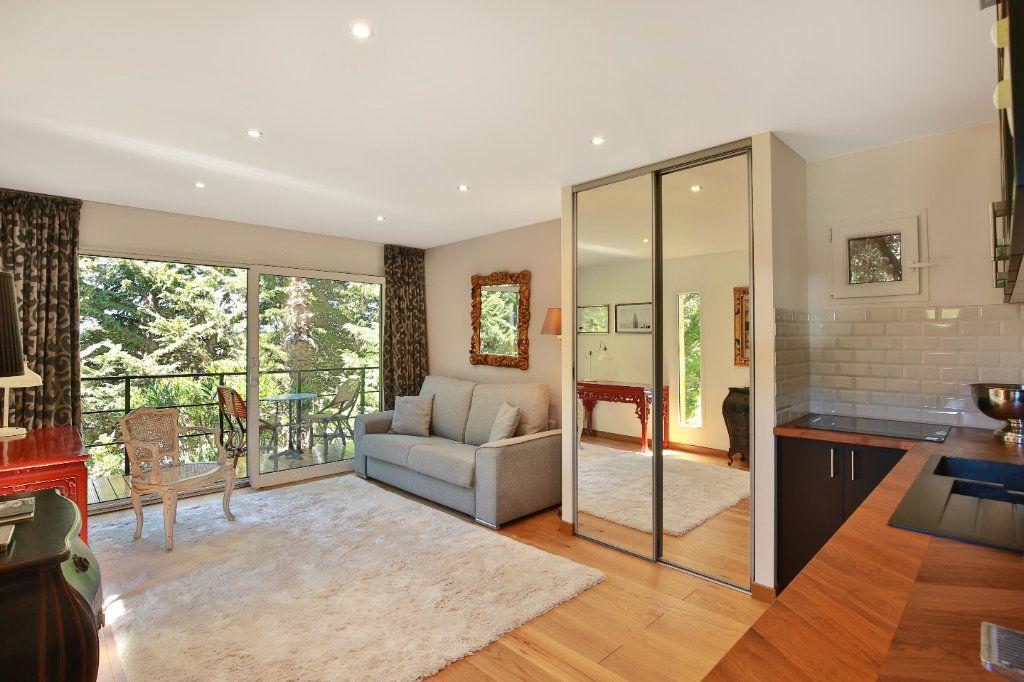 Maison à vendre 7 230m2 à Roquefort-les-Pins vignette-5