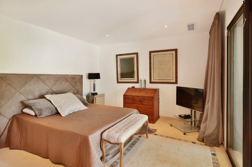 Maison à vendre 7 230m2 à Roquefort-les-Pins vignette-7
