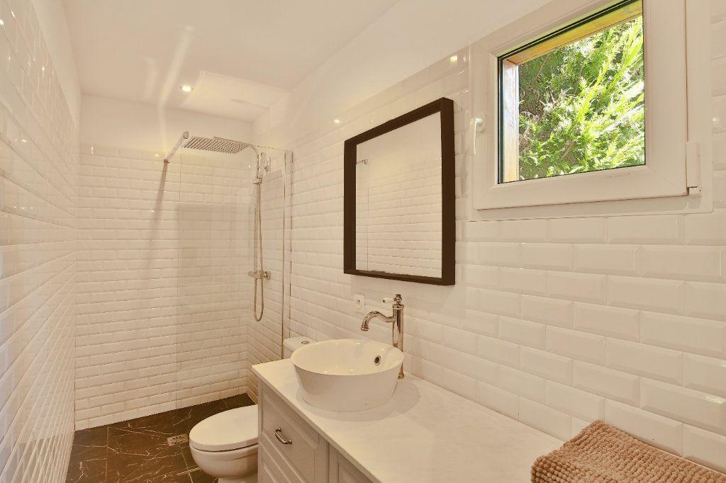 Maison à vendre 7 230m2 à Roquefort-les-Pins vignette-10