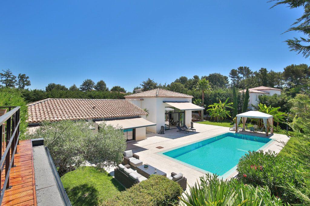 Maison à vendre 7 230m2 à Roquefort-les-Pins vignette-12