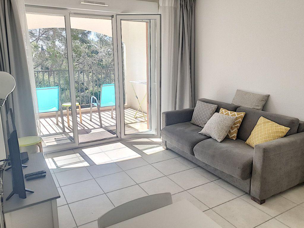 Appartement à vendre 3 50.82m2 à Roquefort-les-Pins vignette-1