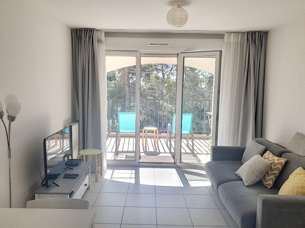 Appartement à vendre 3 50.82m2 à Roquefort-les-Pins vignette-3