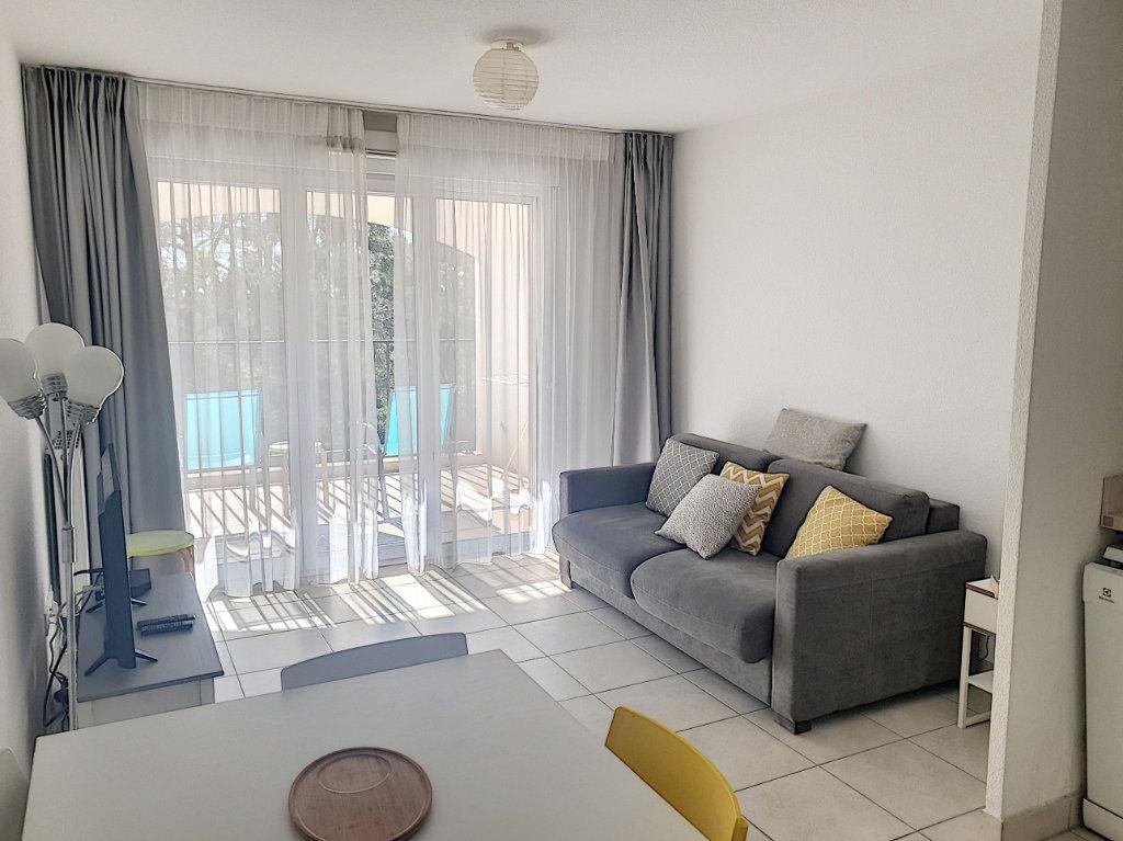 Appartement à vendre 3 50.82m2 à Roquefort-les-Pins vignette-5