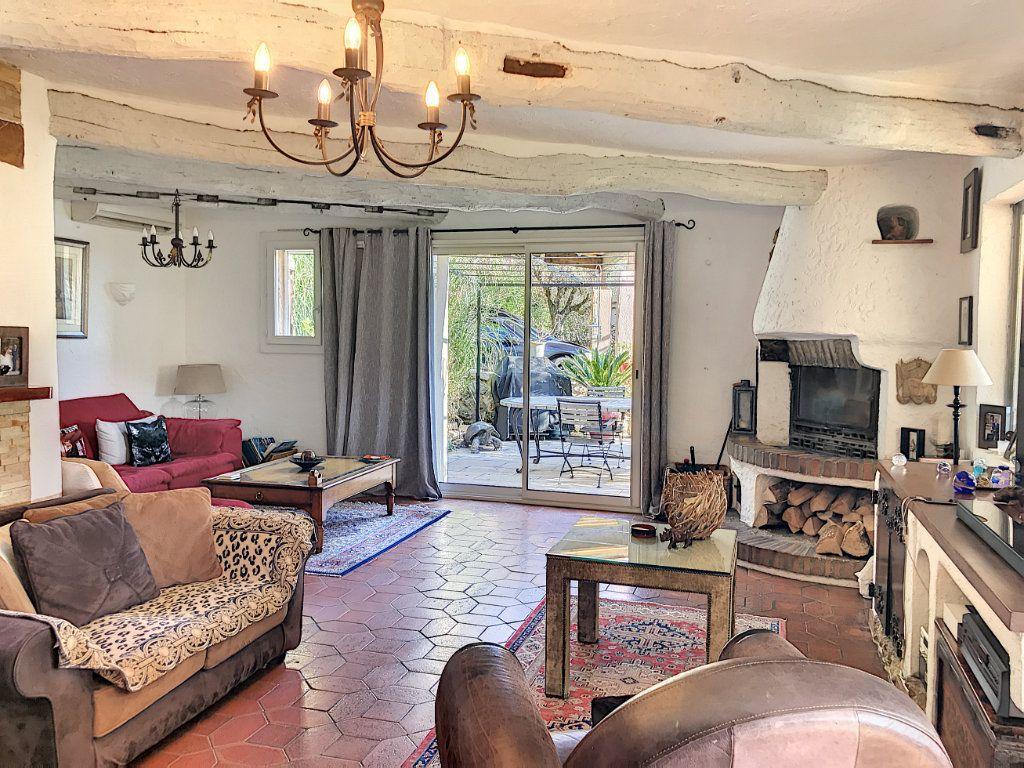 Maison à vendre 8 245m2 à Le Rouret vignette-3