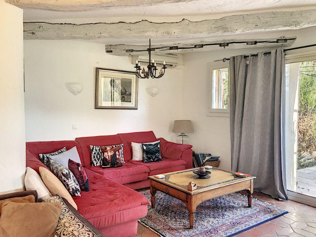 Maison à vendre 8 245m2 à Le Rouret vignette-4