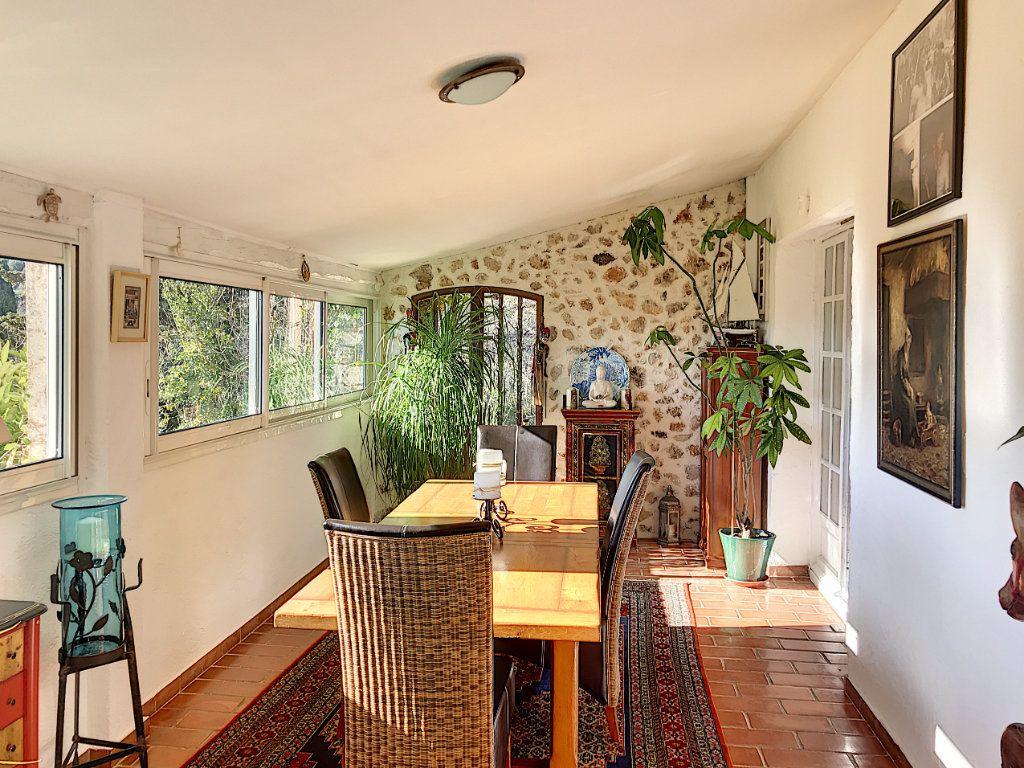 Maison à vendre 8 245m2 à Le Rouret vignette-5