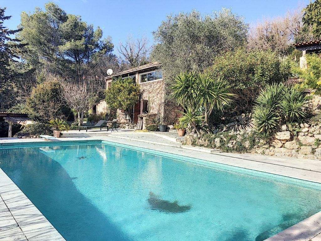 Maison à vendre 8 245m2 à Le Rouret vignette-7