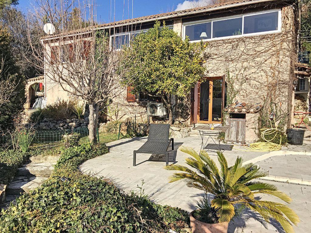 Maison à vendre 8 245m2 à Le Rouret vignette-9