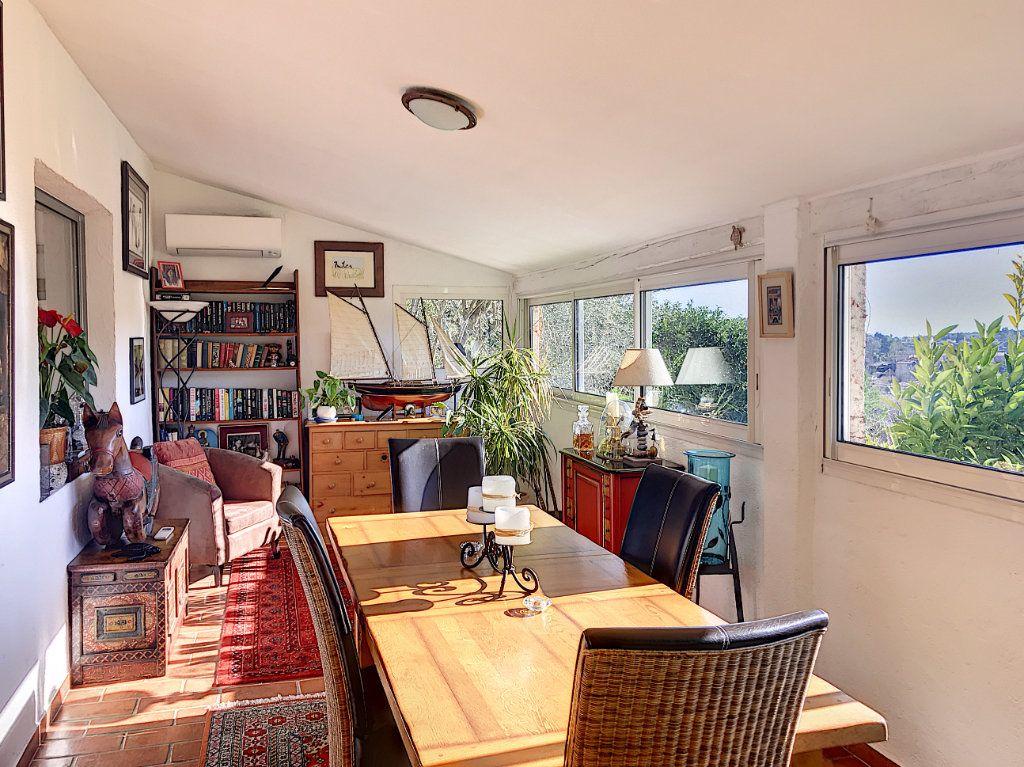 Maison à vendre 8 245m2 à Le Rouret vignette-10