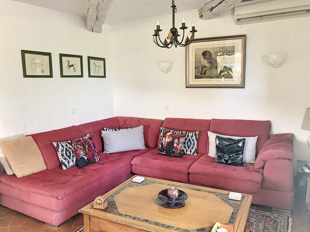 Maison à vendre 8 245m2 à Le Rouret vignette-12