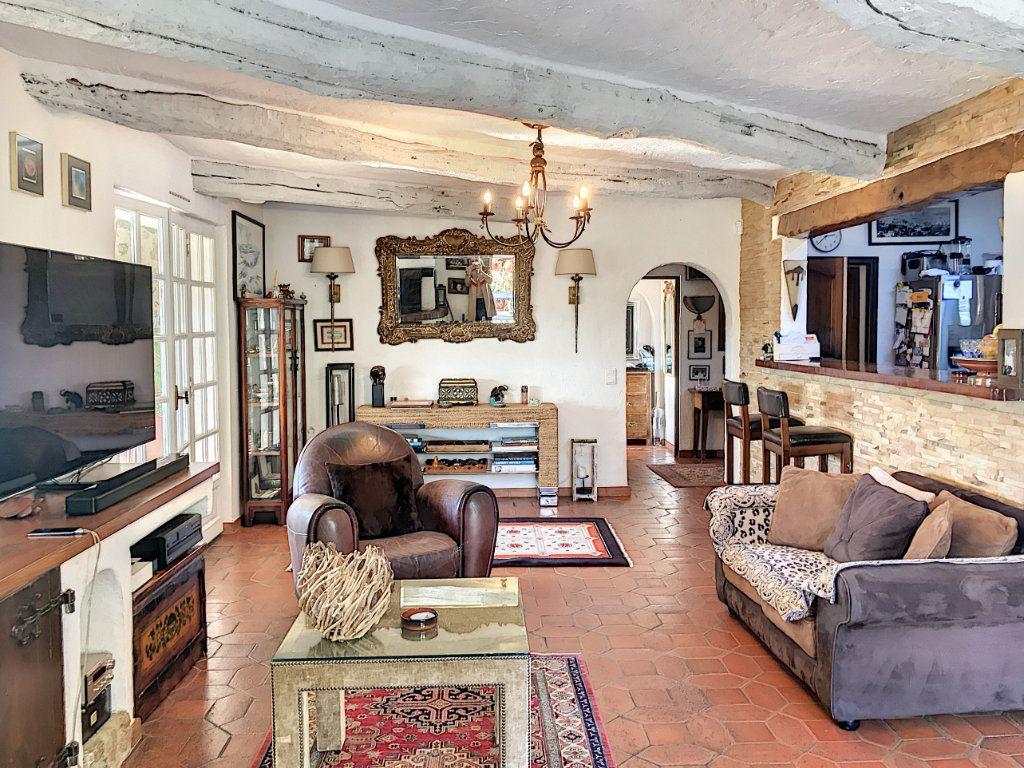Maison à vendre 8 245m2 à Le Rouret vignette-14