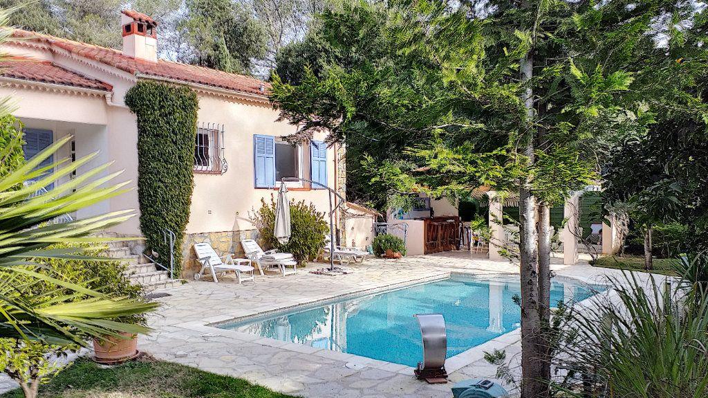 Maison à vendre 6 150m2 à Roquefort-les-Pins vignette-3