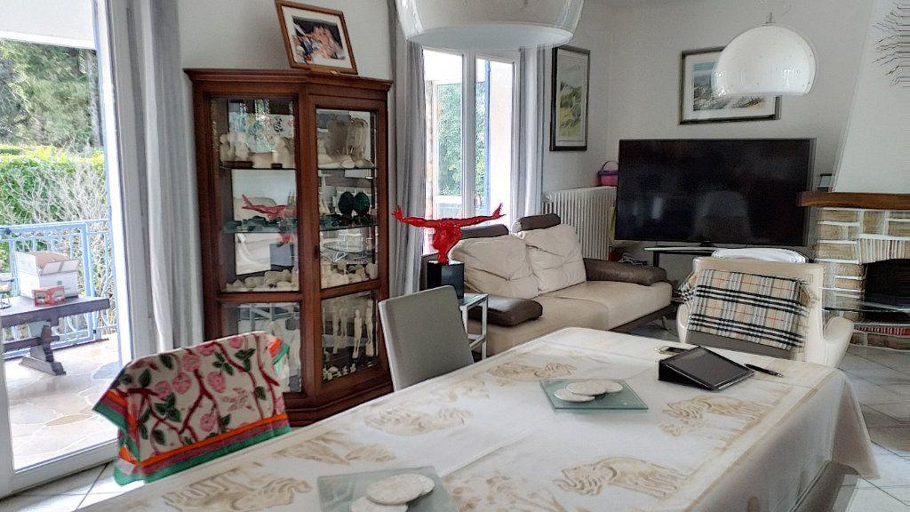 Maison à vendre 6 150m2 à Roquefort-les-Pins vignette-5