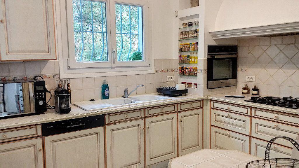 Maison à vendre 6 150m2 à Roquefort-les-Pins vignette-6