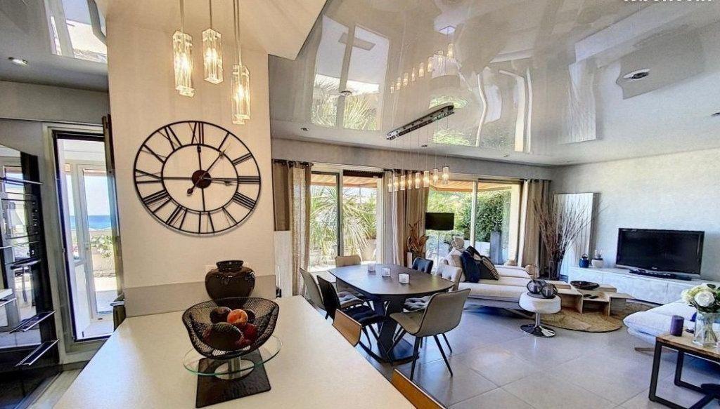 Appartement à vendre 4 103m2 à Antibes vignette-2