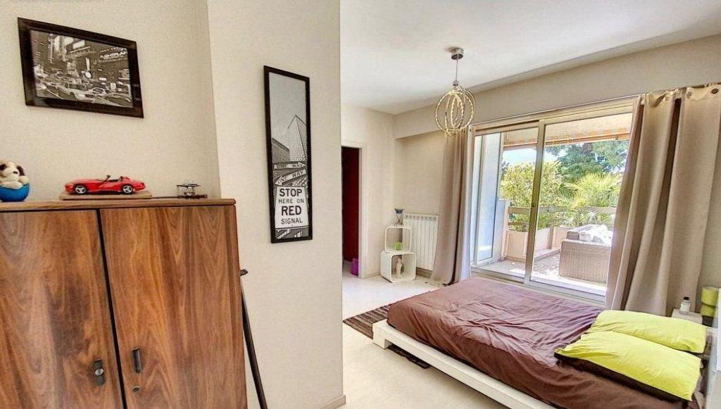 Appartement à vendre 4 103m2 à Antibes vignette-6