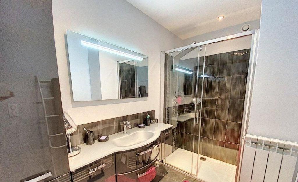 Appartement à vendre 4 103m2 à Antibes vignette-7