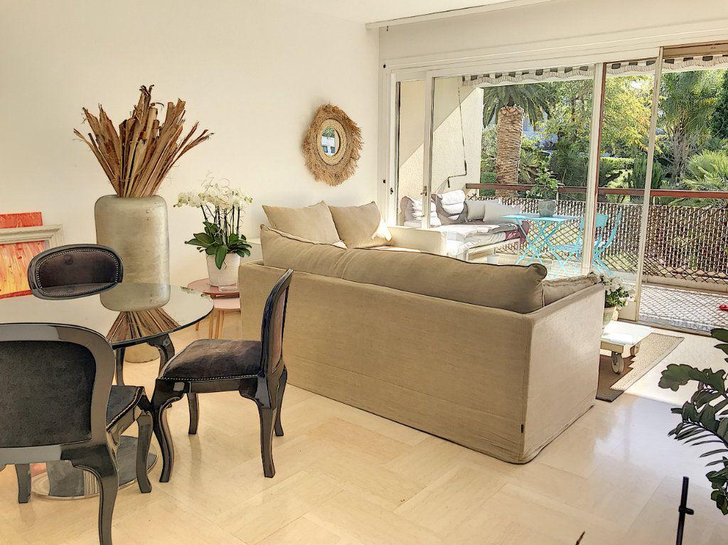 Appartement à vendre 2 60m2 à Cannes vignette-8