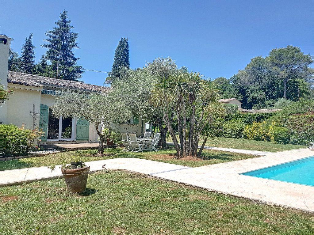 Maison à vendre 4 199.8m2 à Roquefort-les-Pins vignette-2
