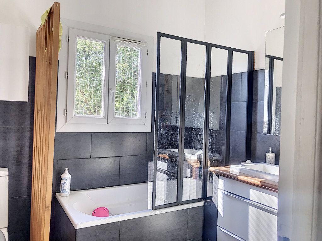 Maison à vendre 3 62m2 à Roquefort-les-Pins vignette-5