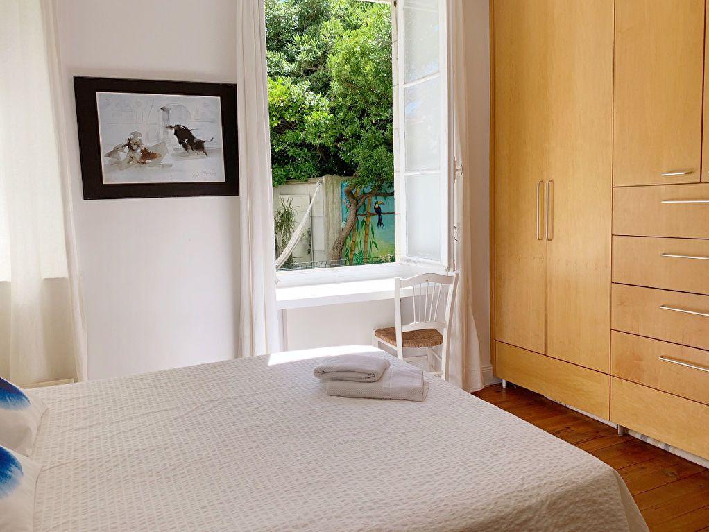 Appartement à vendre 5 130m2 à Biarritz vignette-5