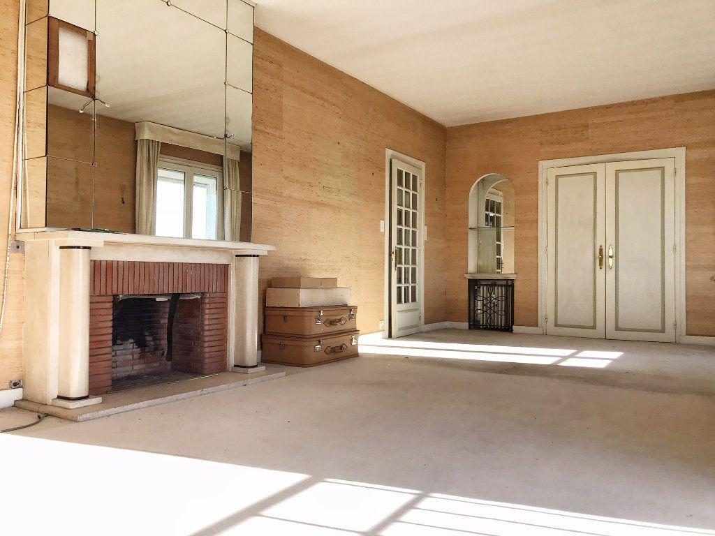 Appartement à vendre 5 132.57m2 à Bayonne vignette-2