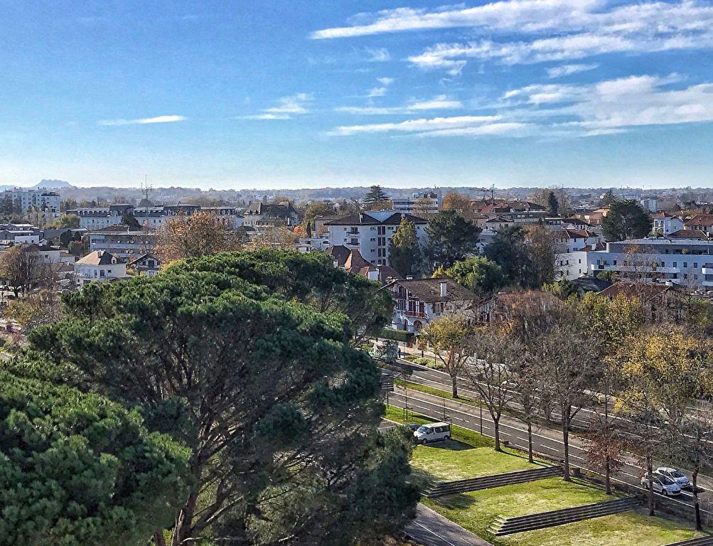 Appartement à vendre 5 132.57m2 à Bayonne vignette-4