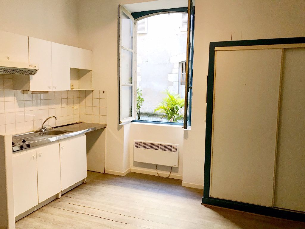 Appartement à vendre 2 33m2 à Bayonne vignette-2