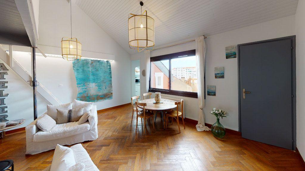 Appartement à vendre 4 78.13m2 à Biarritz vignette-1