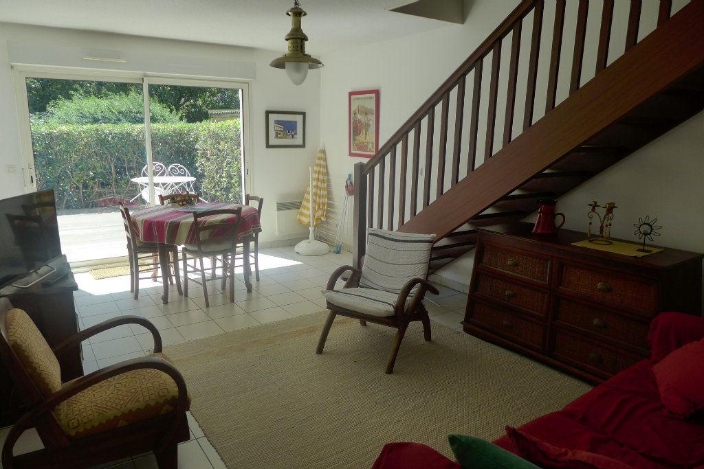 Appartement à louer 3 69m2 à Anglet vignette-1