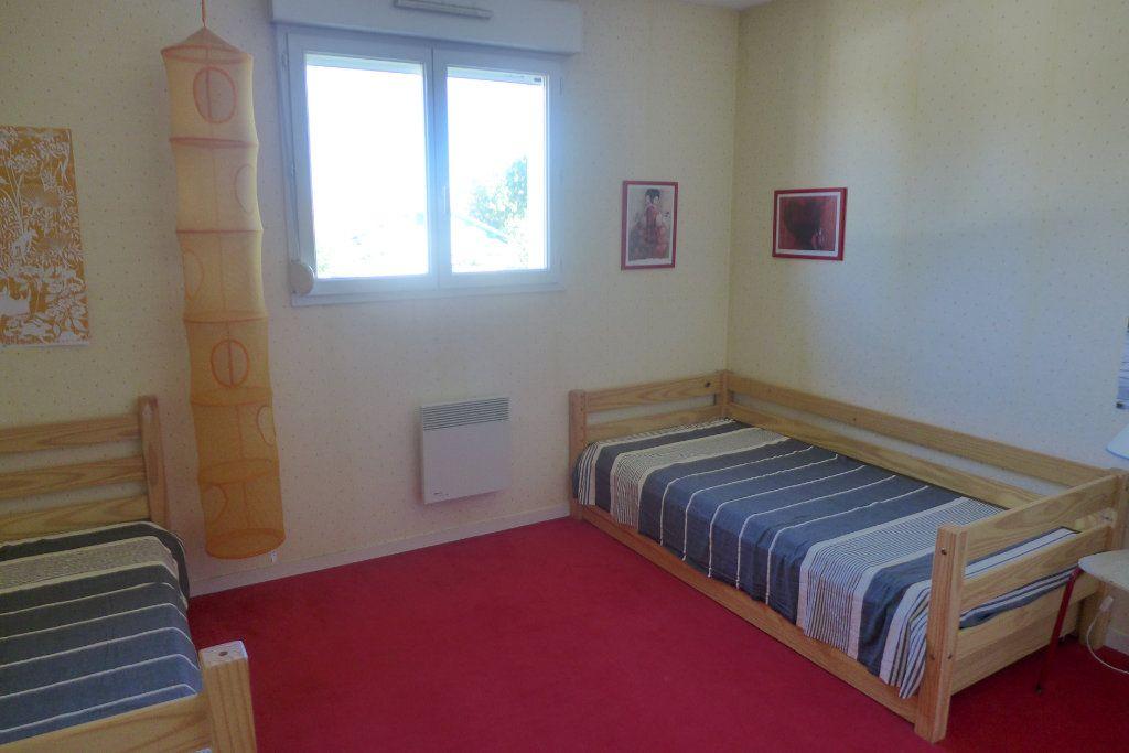 Appartement à louer 3 69m2 à Anglet vignette-4