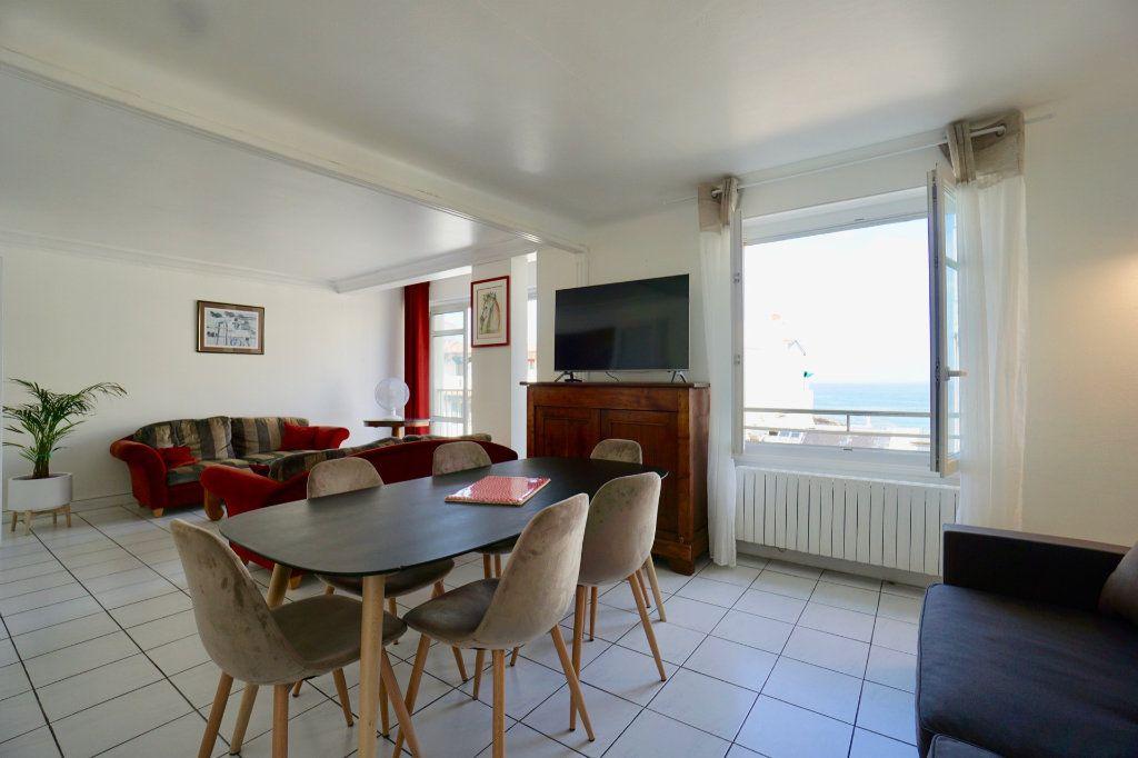 Appartement à vendre 4 89.83m2 à Biarritz vignette-2