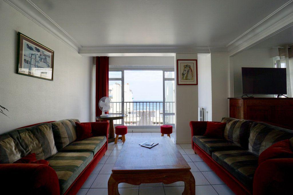 Appartement à vendre 4 89.83m2 à Biarritz vignette-4